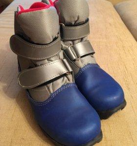 Лыжные ботинки, 36р, NNN крепление.