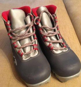 Лыжные ботинки, 35р, крепление NNN