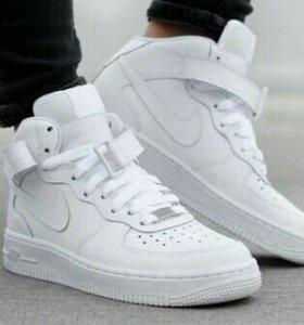 Новые кроссовки,зима