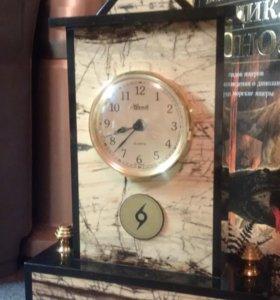 Часы настольные из мрамора подарочные