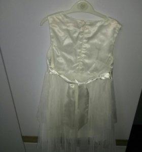 Платье нарядное на девочку р.110-122