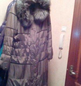 Женское зимнее  пальто капюшоном.кролик-подкладка