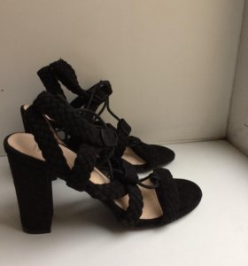 Новые туфли-босаножки Vanessawu