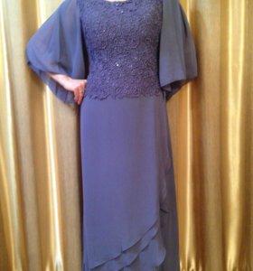 Платье с гипюровым верхом