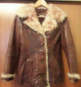 Женская кожаная куртка на натуральном мехе