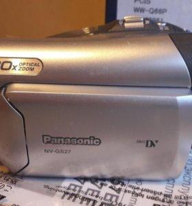 Видеокамера Panasonic NV-GS27 с кассетами