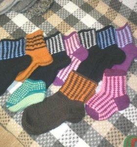 Тёплые носочки, тапочки, шапки