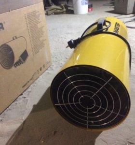 Газовый воздушный теплогенератор Master BLP 73 M