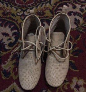 Ботинки демисезнные 37 размер