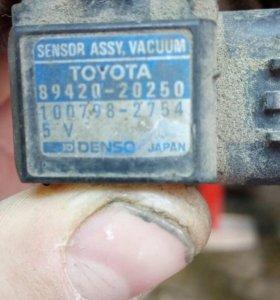 Датчик разряжения для Toyota Carina E