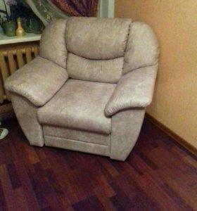Кресло новое с выдвижным ящиком