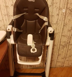 Стульчик для кормления ребенка.