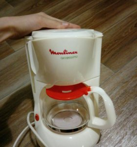 Кофеварка Moulinex.