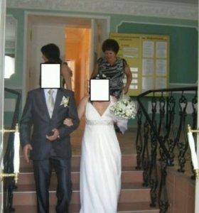 """Свадебное платье, цвет""""шампань"""",размер 48—50."""