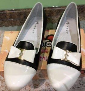 Туфли на девочку новые