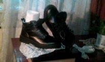 Новые натуральные ботинки 42 размер