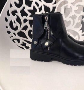 Зимние ботинки McQ