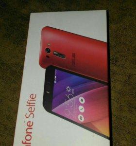Телефон Asus ZenFone Selfie