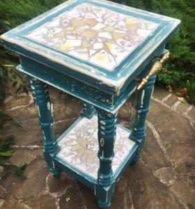 Столик антик с керамикой