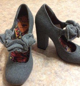 Новые туфли Rocketdog р 7, серые