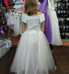 Красивое платье на 7-10 лет