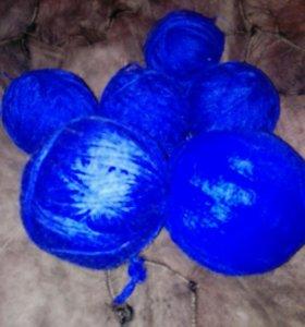 Клубки ниток для вязания