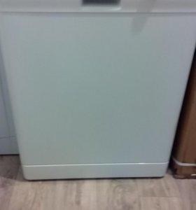Посудомойку Electrolux ESF 63021 широкая