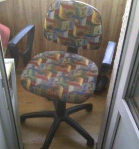Стул кресло на колесиках
