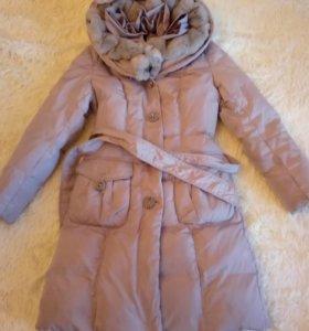 Пальто пуховое с опушкой из кролика