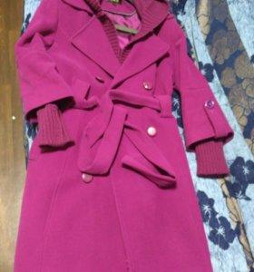 Пальто осень/весна, б/у, 44-46 размер, цвет фуксия
