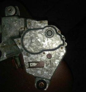 Продам моторчик заднего дворника пежо 406