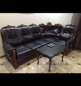 Перетяжка мягкой мебели любой сложности)))
