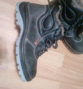 Новые зимние спец обувь с мет подноском