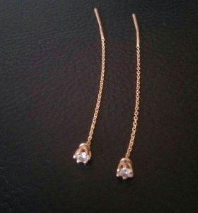 Золотые серьги с феанитом