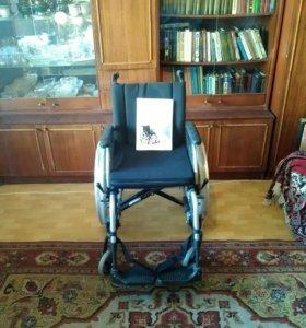 Кресло-каляска инвалидная