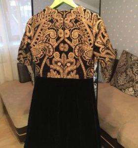 Платье на выход бархат и золотое шитье