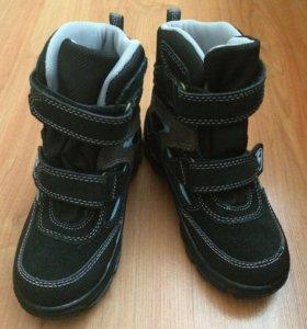 Ботинки BARTEK новые