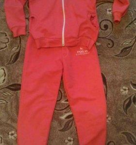 Спортивный костюм на девочку 6-7 лет