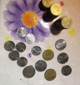 Юбилейные монеты, жетоны игровые и с метрополитена