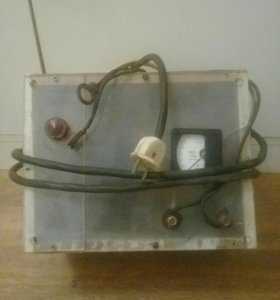 Зарядник для акумулятора