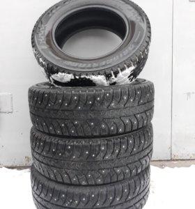 Комплект R15 Bridgestone Айс Крузер 7000