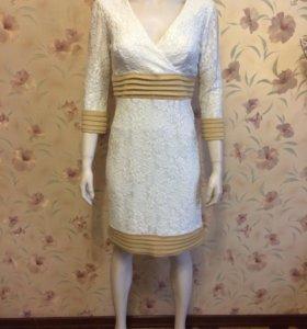 Почти новое нарядное платье USA р-р 44