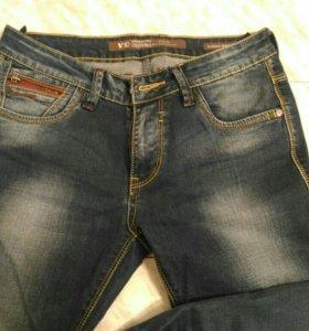 Новые мужские джинсы, суперныеее.