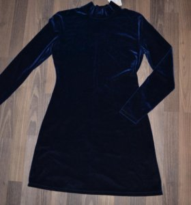 Платье бархат р-р 46-48 новое