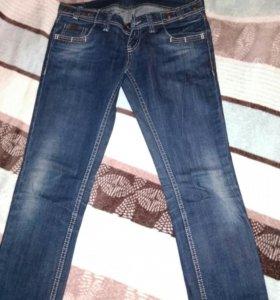 Брюки джинсы 44 размера