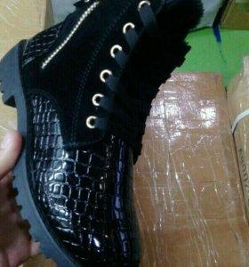 Ботинки Зима новые!