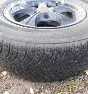 Колеса 215/70R15 98H на литых дисках зима