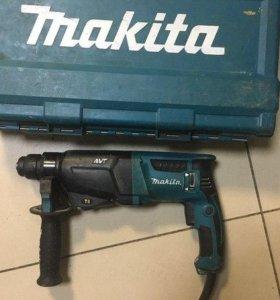 Перфоратор Makita HR2611F