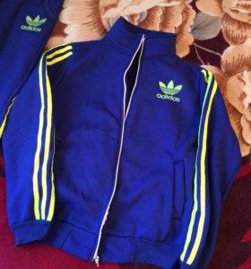 Теплый костюм Adidas