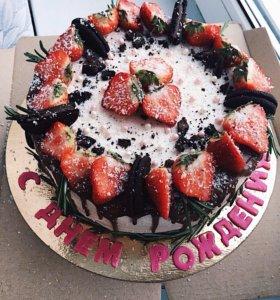Торт, капкейки